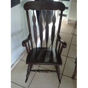 Cadeira De Balanço Muito Antiga Em Imbuia (only Wood)