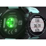 Reloj Garmin Forerunner® 235. Wrist Based Heart Rate.