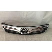 Parrilla Toyota Cmary 12-14 Original