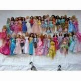 Lote Com 40 Barbies + 11 Bratz + 04 Moranguinhos + 07 Winks