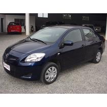 Vendo Toyota Yaris Sedan Año 2011