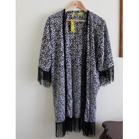 Tapado Chaleco Tipo Kimono Estampado Blanco Y Negro Flecos