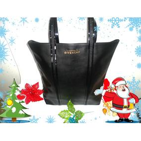 Hermosa Cartera Givenchy Color Negro Elegante