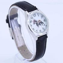 Hermoso Reloj Con Caballo, Correa Color Negro