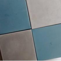 Calcareo Mosaico Cuadrado · 18x18 · Gris