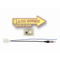 Adaptador Antena Radio Estereo Toyota Rav 4 2013-up 40lx11