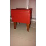 Puff En Ecocuero Color Rojo Y Patas De Algarrobo. Iimpecable