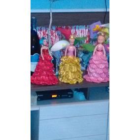 Boneca Feita Com Artesanato Linda Para Decoração