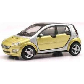 Smart Forfour Escala 1:43 New Ray