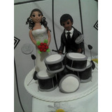 Topo De Bolo Casamento Biscuit - Noivo Tocando Bateria