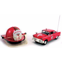 1:34 Ford Sedan Y Casco De Bomberos Alcancia Emergencia