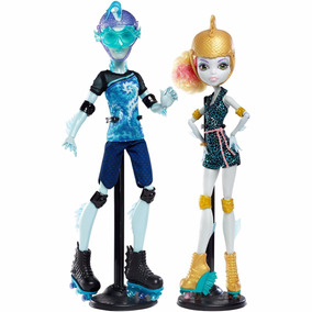 Monster High Lagoona Blue Y Gil Webber Patines Set Dos Muñec