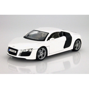 Maisto Audi R8, 1:18, Color Blanco
