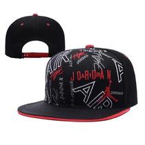 Gorra Jordan Snapback Negra Con Rojo