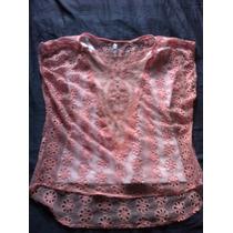 Blusa Em Tricot Rosa E Camiseta Branca Em Cotton Lycra
