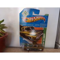 Chata Pick Up Hot Wheels Super T-hunt $ Custom 62 Chevy 2011