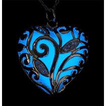 Cadena Collar Corazón Luminoso Brilla En Obscuridad