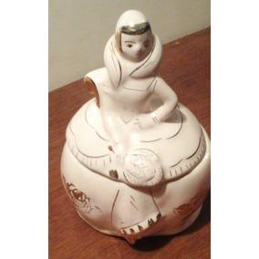 Antigua Y Muy Linda Azucarera De Porcelana Con Det. Dorados