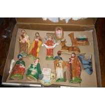 Nacimiento De Navidad En Resina 12 Piezas Usado En Su Caja
