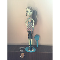 Boneca Monster High Frankie Stein Passeio No Shopping
