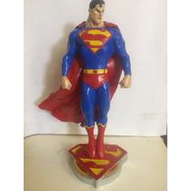Super Homem (superman) Em Resina Pintado A Mao