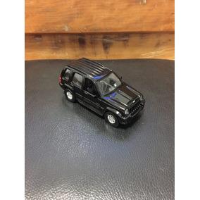 Carrinho De Colecionador Jeep Liberty 2003, Maisto, 1/39