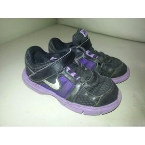 Zapatillas Nike Para Niños Negra Con Abrojos Talle 10 Us