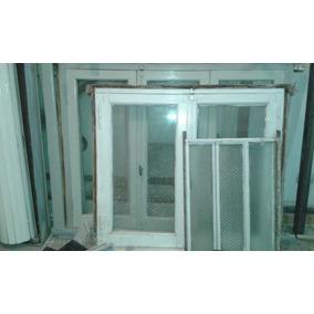 lote de ventanas antiguas de madera con cortina enrollable