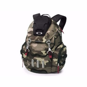 Mochila Oakley Kitchen Camuflada Double Metal
