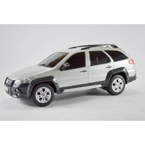 Fiat Palio Weekend Adventure Prata 1:18 Controle Remoto