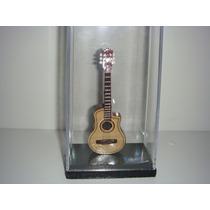 Miniatura De Violão Flat Elétrico No Acrilico 12cm