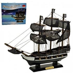 Navio Barco Fragata Pirata Caravala Madeira 30cm