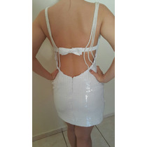 Vestido Branco De Paete E Decote Nas Costas Com Pérolas