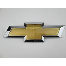 Emblema Pára-choque Dianteiro Gravata Dourada