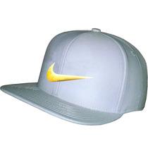 Bone Nike Aba Reta Snapback Branco