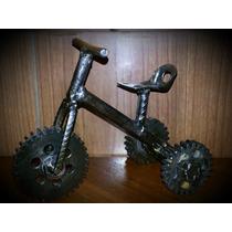 Triciclo En Metal (piezas Recicladas Y Rezagos De Vehículo)