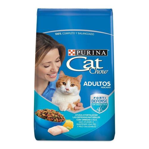 Alimento Cat Chow Defense Plus para gato adulto sabor pescado en bolsa de 20kg