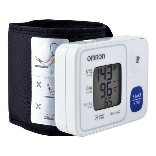 Monitor de presión arterial digital de muñeca automático Omron HEM-6123
