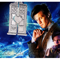 Par De Colares Doctor Who Tardis Cabine Prata - Frete Barato