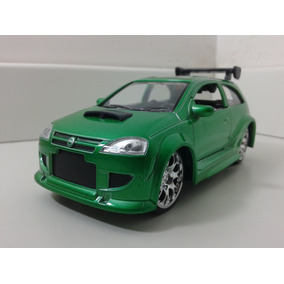 Miniatura Corsa Tunado Verde Saico 1:32