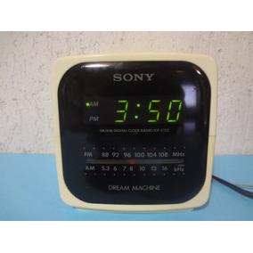 b0b6259ef29 Mini Rádio Portátil Sony Am fm - Rádio Relógio Despertador no ...