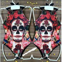 Maiô Body Caveira Mexicana Vermelha Boca Costurada Rosas