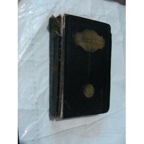 Libro Sagrada Biblia , Revista Catolica , El Paso Texas , E