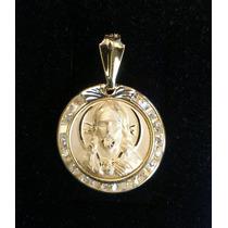 Medalla De Oro Macizo De 10k Rostro De Jesús Con Zirconias.