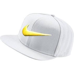 Bone Nike Branco Simbolo Dourado Top