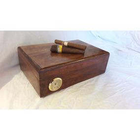 Humidor Cigarrera. Cedro Macizo. Medidas 30x20x10