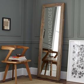 espejo de pie con marco en madera maciza reciclada emm