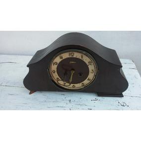 Antiguo Reloj A Cuerda De Mesa