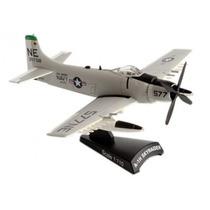 Miniatura Aviao De Guerra A1h Skyraider Caça Douglas Usa