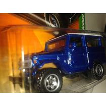 Miniatura Toyota Bandeirante Land Cruiser Nova / Lacrada !